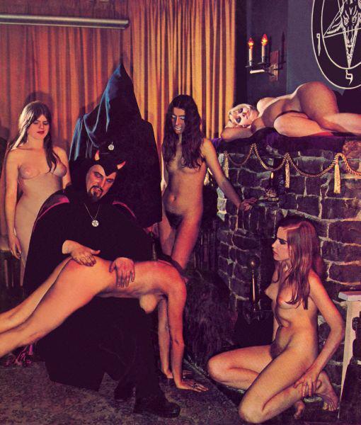 Sexy naked satanic girl — img 12
