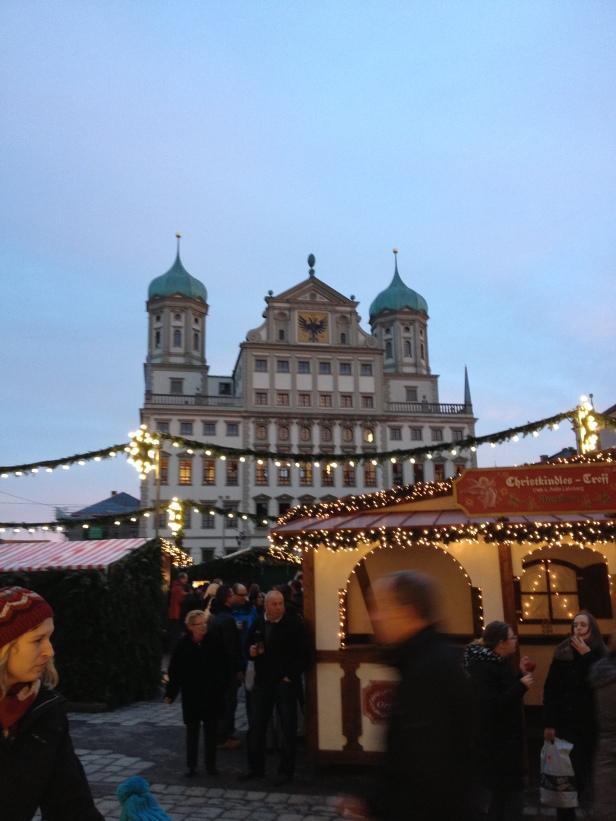 Augsburg Rathaus Platz Aleister Nacht